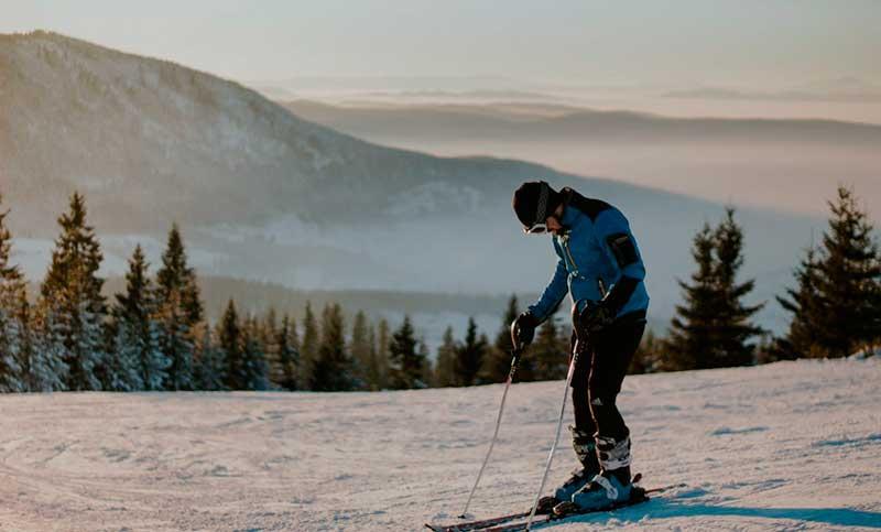 Evita lesiones esquiando y haciendo snowboard