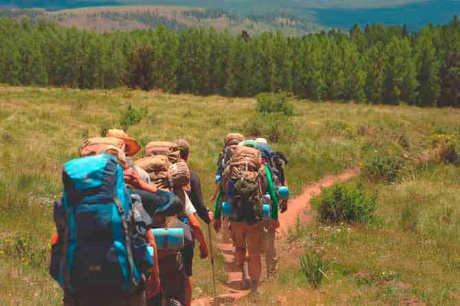 Cómo prepararte para practicar senderismo