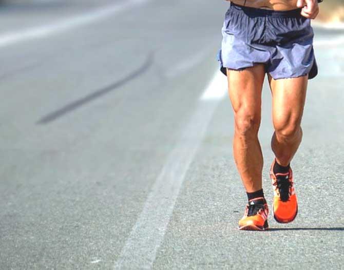 Caminar y trotar: ¿qué impacto tiene en tus pies?